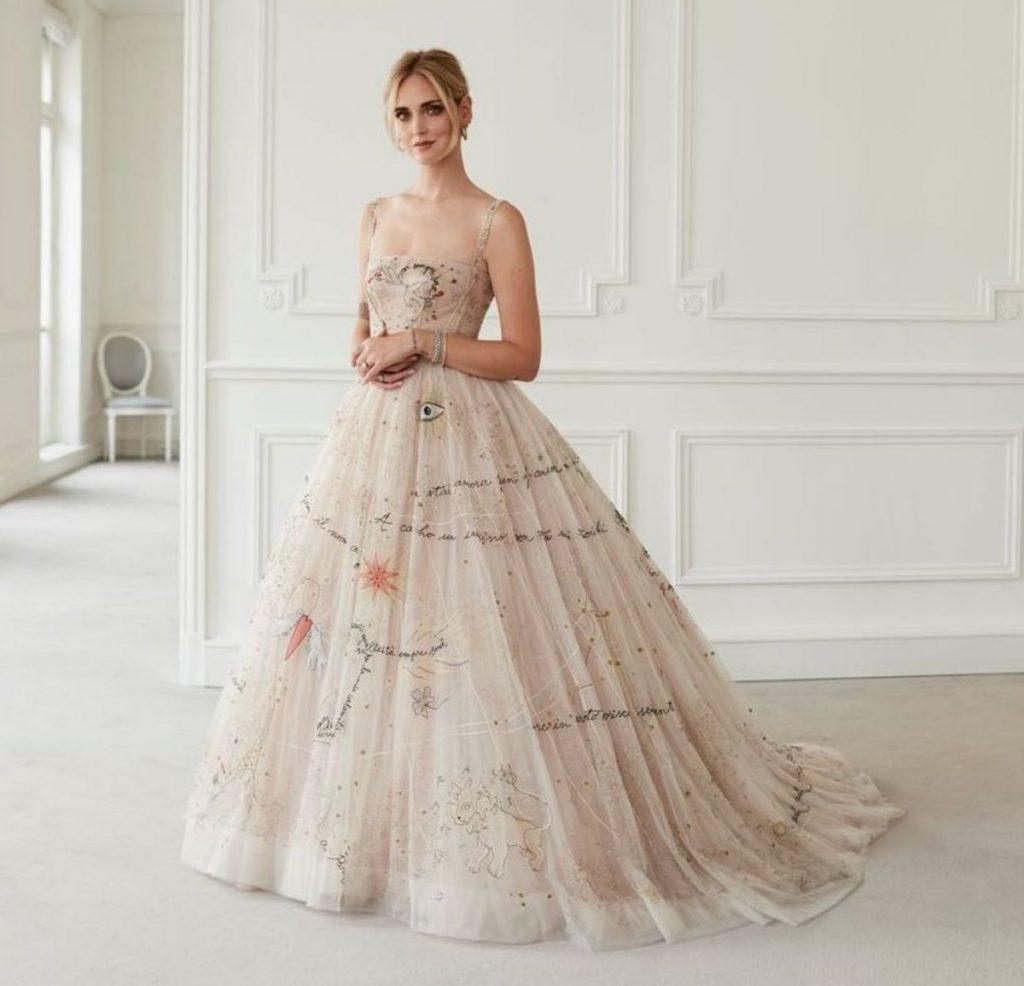 Wahl für ihr Hochzeitskleid